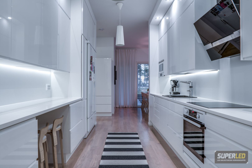 Keittiössä on kätevä olla himmennettävä led-valaistus